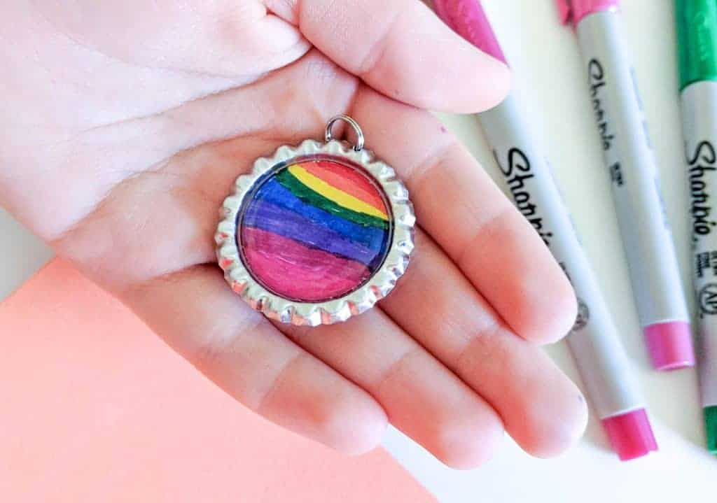 bottle-cap-keychains-finished-keychain-in-hand
