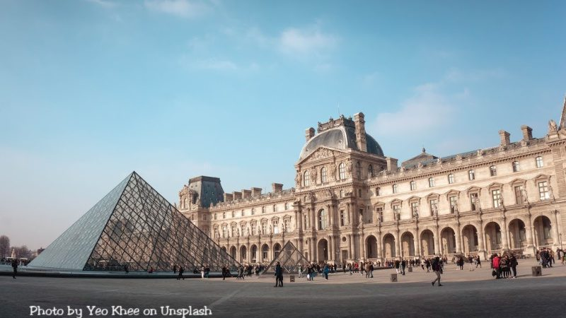 Free online tour of the Louvre