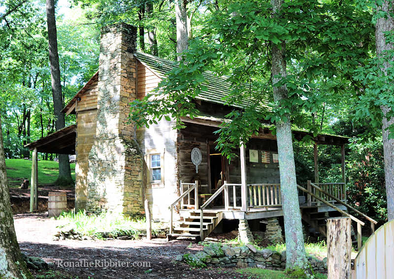 Coffey Cabin | Hickory Ridge Homestead Museum