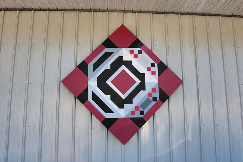 Quilts on barns North Carolina Barn Quilt Trail Barn Quilt Treasure Hunt